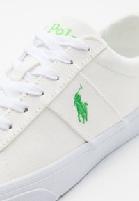 Polo Ralph Lauren - SAYER - Baskets basses - white/neon green - 5