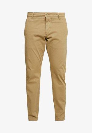SMART SUPREME FLEX TAPERED - Trousers - new british khaki