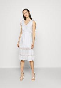 Vila - VIBASI FESITVAL DRESS - Day dress - snow white - 0
