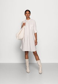 Marc O'Polo - DRESS RELAXED FLUENT STYLE CHEST POCKET ROUNDED HEMLINE - Day dress - shaded sand - 1