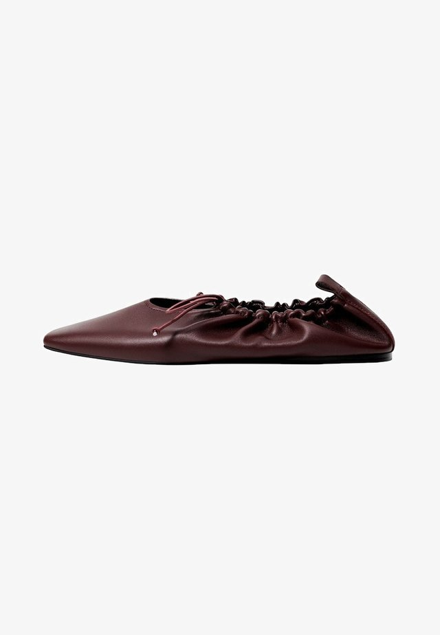 RUFFLE - Ballet pumps - bordeaux