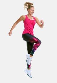 Winshape - MCT006 ULTRA LIGHT - Sports shirt - deep pink - 1