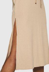 Fashion Union - BRYONY  - Pouzdrová sukně - beige - 3