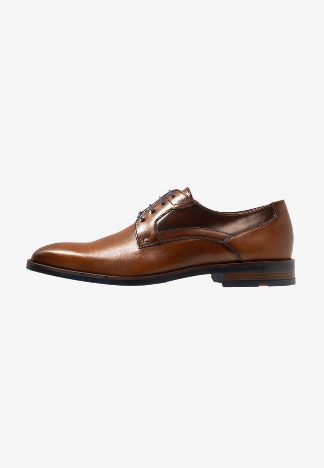 NILS - Zapatos de vestir - cigar