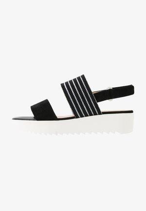 CELISA - Sandály na platformě - schwarz/candy