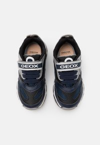 Geox - BOY - Tenisky - navy/silver - 3