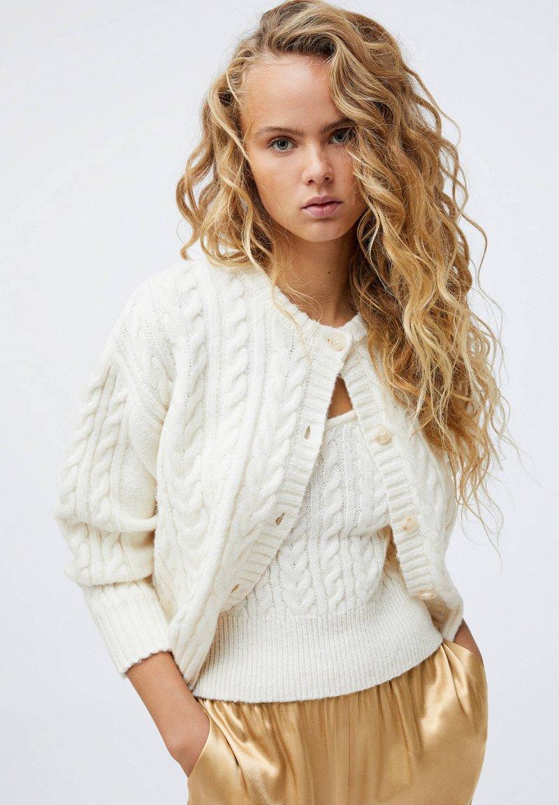 OYSHO - Cardigan - white