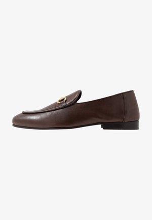 JACOB - Elegantní nazouvací boty - swiss brown/gold