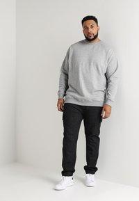 Urban Classics - CREW NECK - Sweatshirt - grey - 1