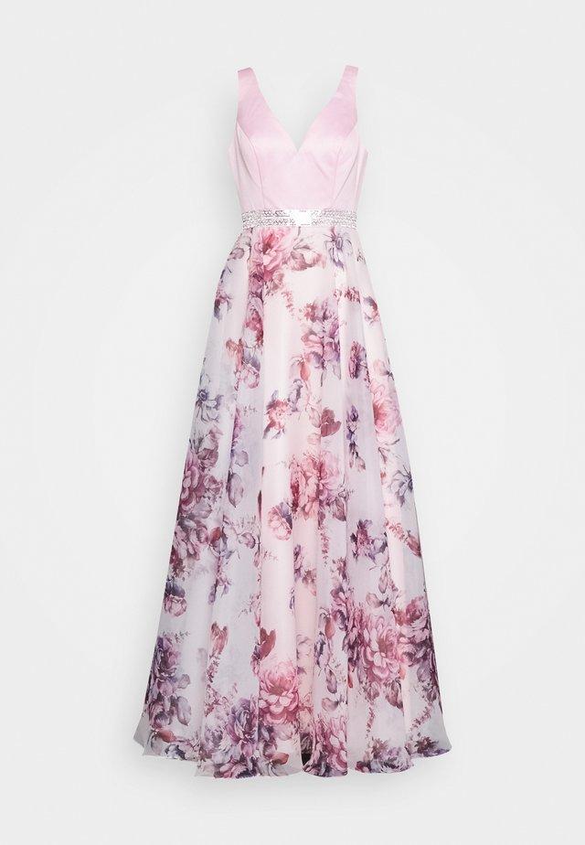 Suknia balowa - rosé