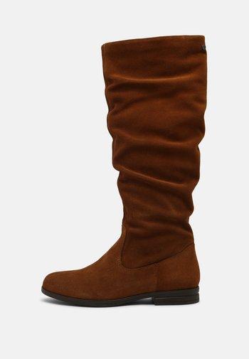 Vysoká obuv - muscat