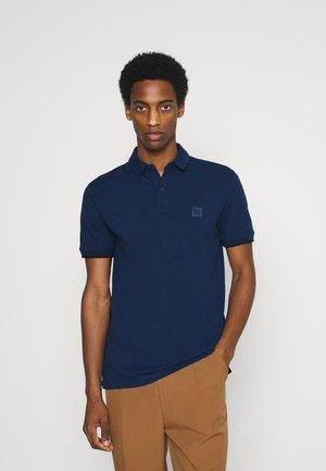 SHORT SLEEVE SLIM COLLAR - Polo shirt - estate blue