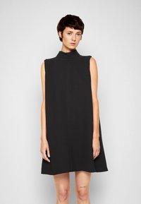 Victoria Victoria Beckham - SLEEVELESS MINI SHIFT DRESS - Sukienka koktajlowa - black - 0