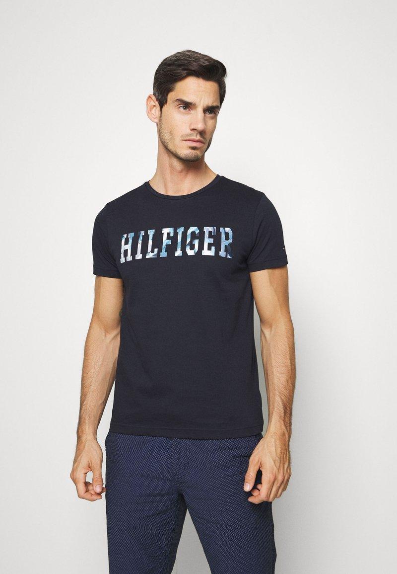 Tommy Hilfiger - FLORAL TEE - T-shirt z nadrukiem - blue