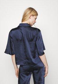 4th & Reckless - JORDANA - Button-down blouse - navy - 2