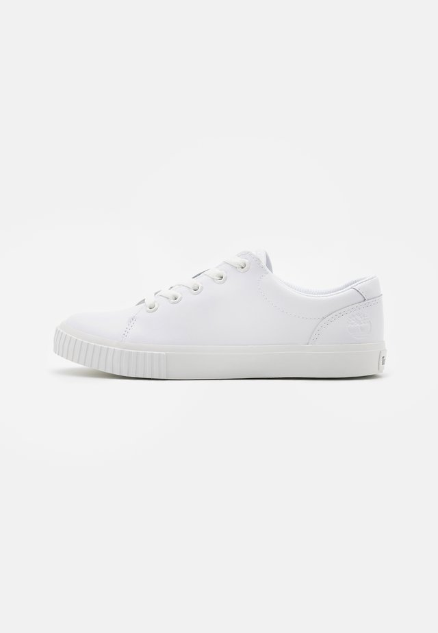 SKYLA BAY OXFORD - Sneaker low - white