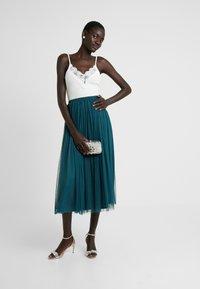 Lace & Beads Tall - MERLIN SKIRT - A-linjekjol - green - 1