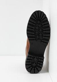 L'INTERVALLE - ROHAN - Kotníkové boty na platformě - safor - 6