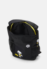 Puma - PEANUTS BACKPACK UNISEX - Rucksack - black