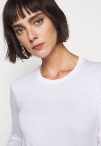WEEKEND MaxMara - MULTIE - Long sleeved top - white - 5