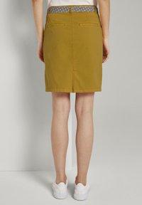 TOM TAILOR - Pouzdrová sukně - deep golden yellow - 2