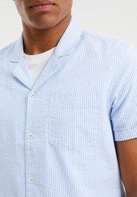WE Fashion - Shirt - light blue - 4