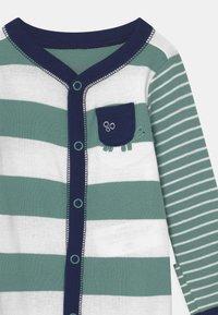 Carter's - STRIPE - Sleep suit - green - 2