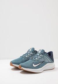 Nike Performance - QUEST 3 - Neutrala löparskor - ozone blue/photon dust/obsidian - 2