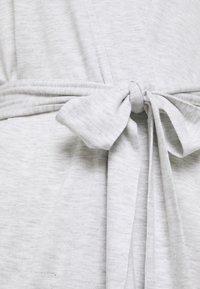 Women Secret - MEDIUM ROBE SOFT TOUCH  - Dressing gown - grey print - 2