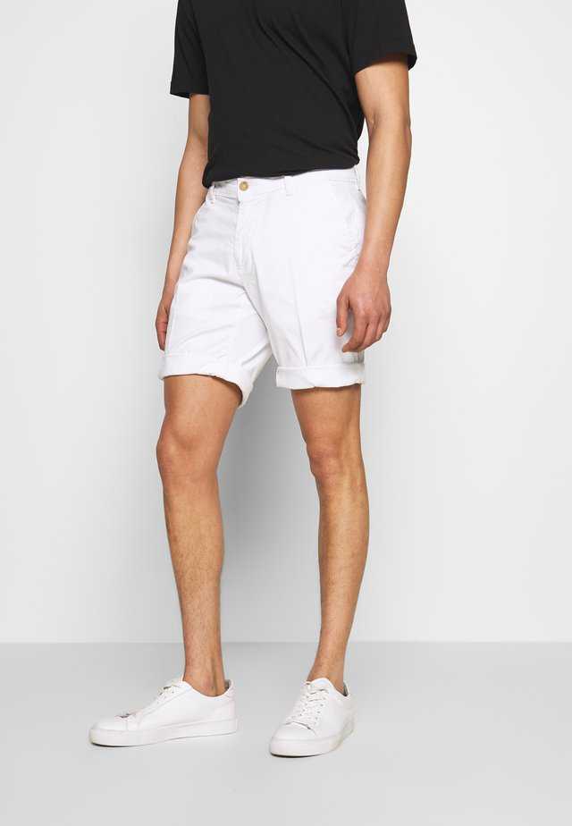 JOERG - Shorts - white