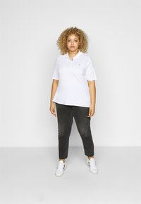 Tommy Hilfiger Curve - ESSENTIAL - Polo shirt - white - 1