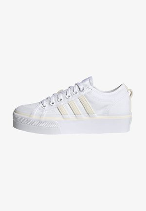 NIZZA PLATFORM W - Sneakers laag - ftwwht/owhite/silvmt
