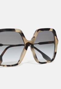 Burberry - Solglasögon - brown - 2
