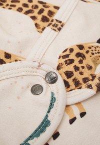 Walkiddy - GIRAFFE BABY HAT AND BIB SET UNISEX - Halsdoek - beige - 2