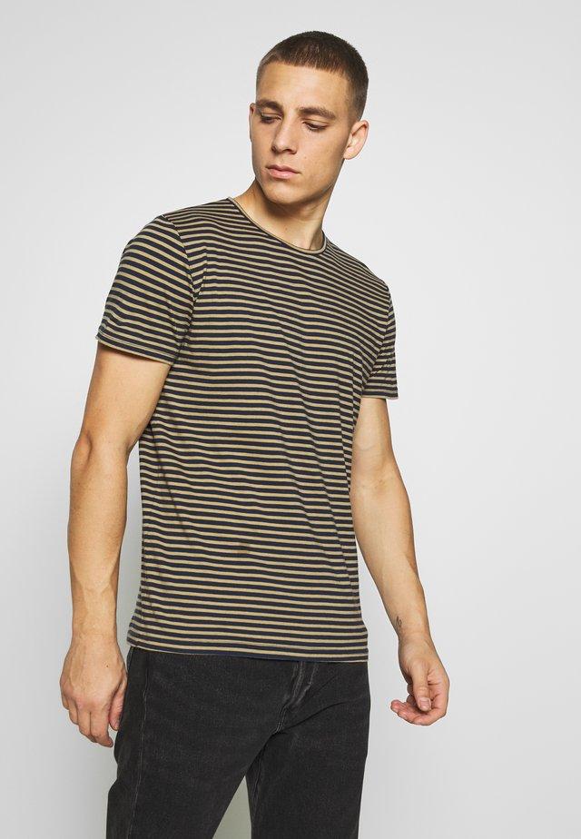 T-shirt z nadrukiem - khaki