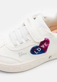 Geox - SKYLIN GIRL - Trainers - white - 5