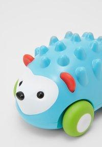 Skip Hop - PULL & GO CAR HEDGEHOG - Speelgoed - blue - 3