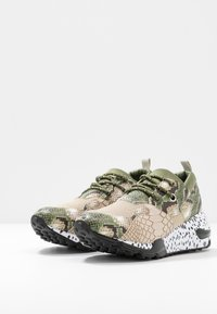 Steve Madden - CLIFF - Sneakers - olive/brown - 4