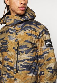 Quiksilver - MISSION - Snowboard jacket - military olive - 4