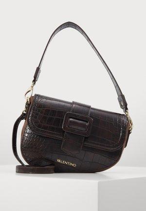 Käsilaukku - moro