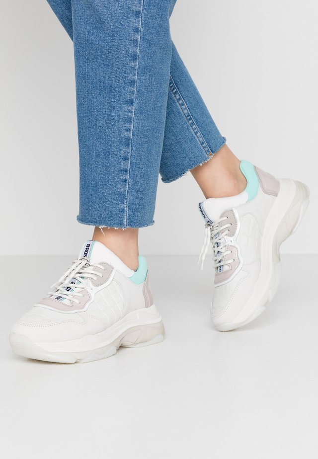 BAISLEY - Trainers - offwhite/nude/mint