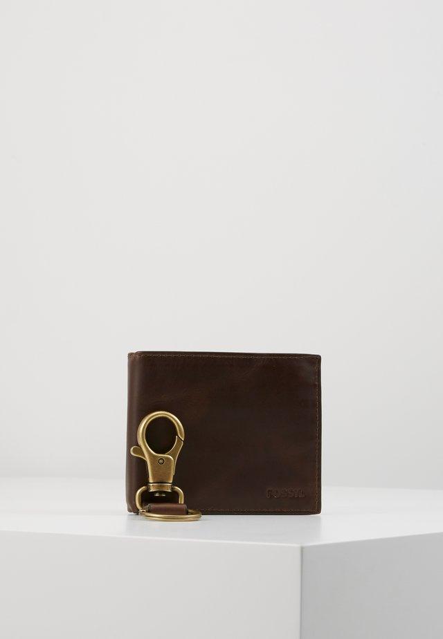 DERRICK SET - Wallet - dark brown