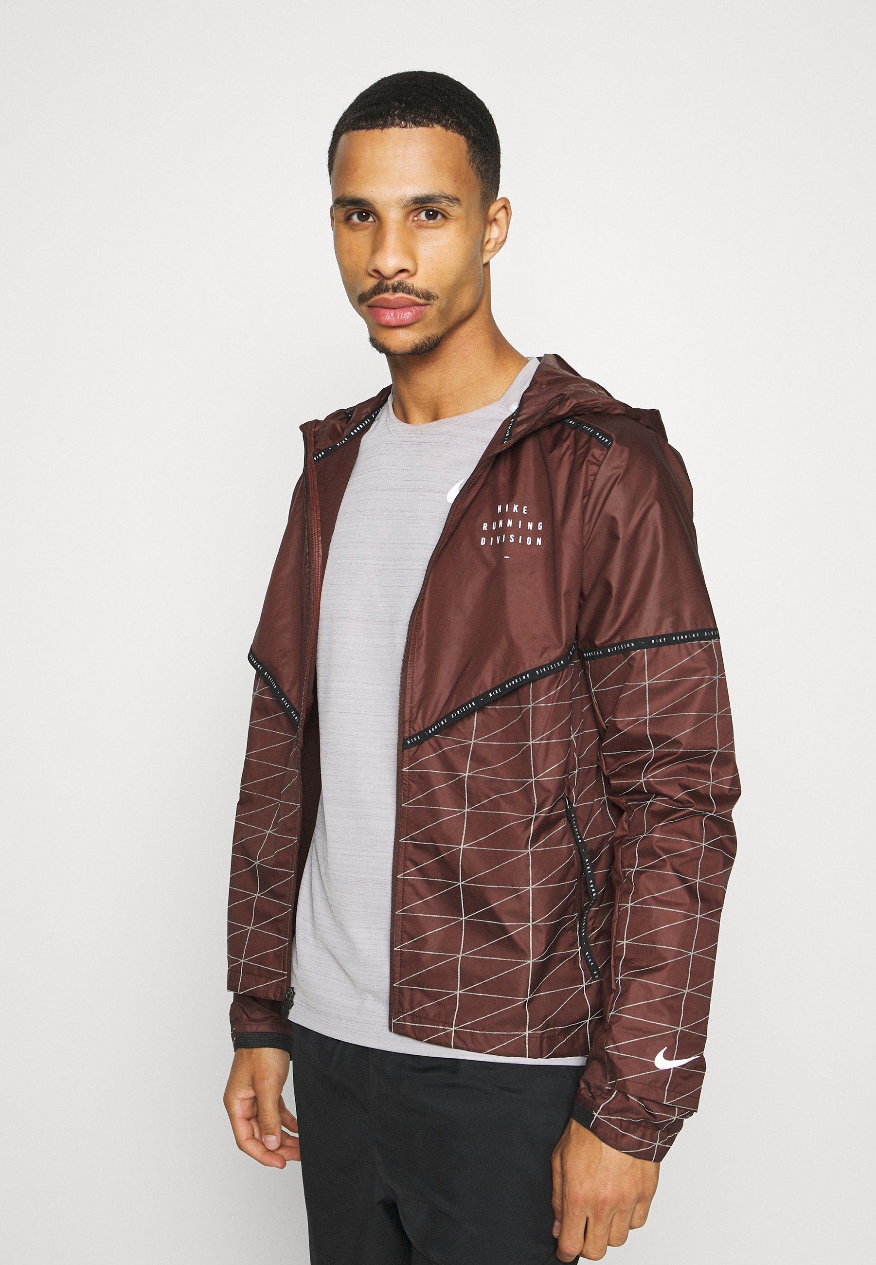 Nike Performance M Nk Run Dvn Shield Flash Jkt Sports Jacket Mystic Dates Black Silver Dark Red Zalando Co Uk