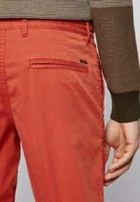 BOSS - SCHINO - Shorts - red - 3