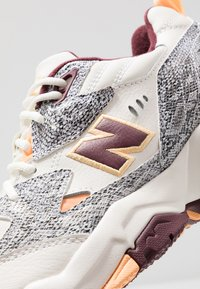 New Balance - MX608 - Sneakers - white - 5