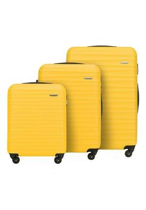 GROOVE LINE SET - Luggage set - gelb