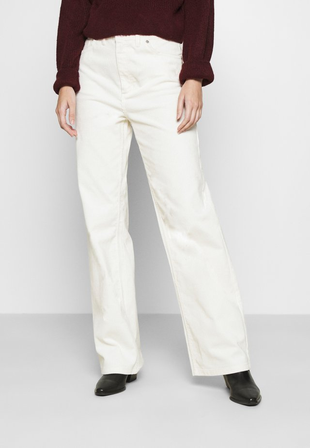 YOKO TROUSERS - Pantalon classique - white light