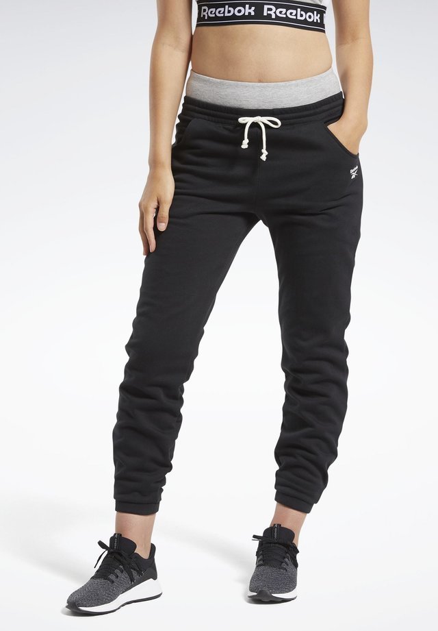 TRAINING ESSENTIALS FLEECE JOGGERS - Tracksuit bottoms - black