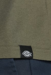 Dickies - STOCKDALE - Basic T-shirt - dark olive - 4