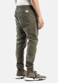 Reell - REFLEX RIB - Trousers - olive - 1